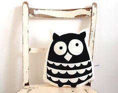 Ollie owl cushion
