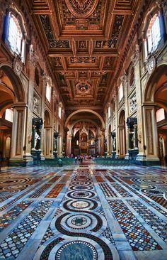 basilica s. giovanni - photographer Niki Barbati