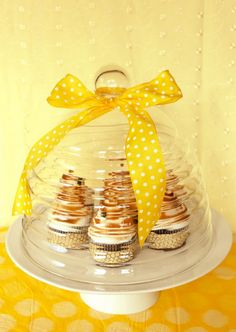 beehive pedestal cupcake dome...