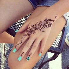Stylish simple hands mehndi designs #tattoos