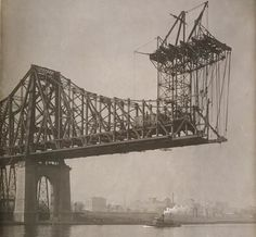 The building of the Queensboro Bridge in 1905