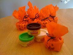 Play-Doh pumpkin party favors #halloween