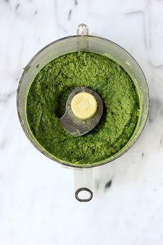 Kale Almond Pesto {Gluten-free and Vegan} // Tasty Yummies