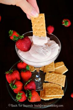Skinny Strawberry Cheesecake Dip - All the strawberry cheesecake flavor with none of the guilt!! http://backforsecondsblog.com  #recipe #dip