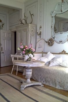 shabby chic decor, living rooms, antler, shabbi chic, french decor, french country, vintage room, shabby chic rooms, french chic
