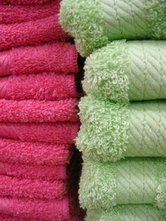 Since buyers love tactile fabrics and textiles, try incorporating soft towels in your bathrooms. #homestaging