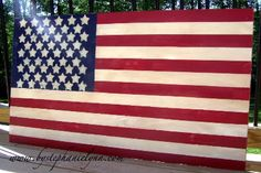 make your own wooden flag as a back drop for a fourth of July party!