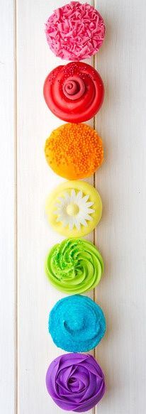 Pretty rainbow cupcakes!