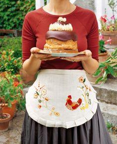 Un tablier brodé d'une poule / Easter http://www.marieclaireidees.com/,un-lapin-en-tissus-japonais,2610153,2032.asp