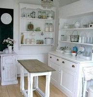 Freestanding English #kitchen!