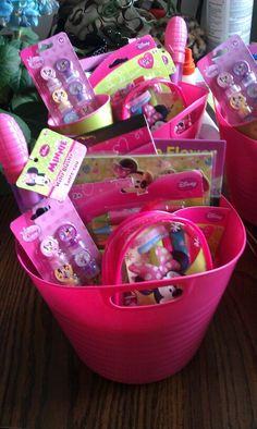 Minnie Party Favor