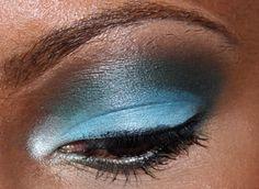 Five Minute Eyeshadow look using Inglot Cosmetics!