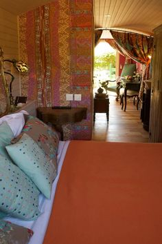 Click through for a surprise ... this is a caravan hotel room!!