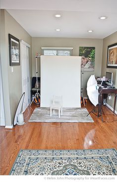 Tips for Building an In-Home Photography Studio via iHeartFaces.com #photography In Home Photography Studios, Professional Photography Tips, Photography Business Tips, Fashion Photography Tips, In Hom Photography, Studios Ideas, Photos Studios, Portable Studios, Home Studios Photography