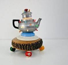 Genious! Upcycled teapot light... just awesome!