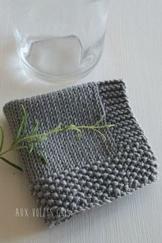 Love this idea...stockinette, edged in seed...