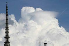 Mole e #Nuvole. Foto di @Gianluca Emago Platania #Torino #primavera