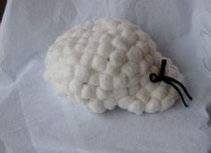 Colonial wig made from cotton balls, painter hat and glue
