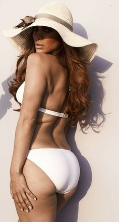 Unphotoshopped JLo. Stop striving for perfection everyone  just be healthy!