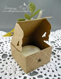 A Scalloped Tag Topper Punch Card and Mini Box - tutorial