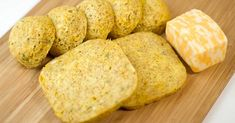 One-Minute LOW CARB Cheddar Bread and Buns