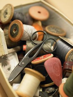 thread spool, antiqu, scissor, wooden spool