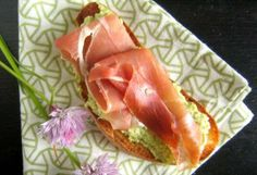 #Recipe: Asparagus Spread and Prosciutto on Buttered Toast