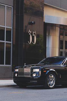 Luxury Cars- Bentley or Rolls?