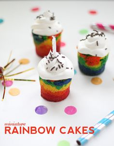 mini rainbow, mini cupcakes, food, rainbow cakes, rainbows