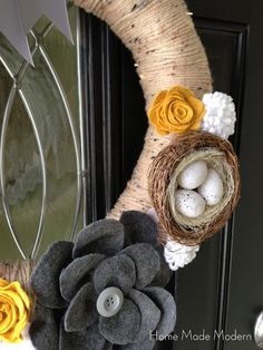 Home Made Modern: Presto Chango: Velcro-Embellished Wreath