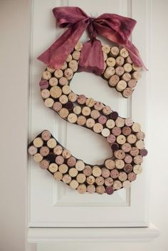 Cool!  @Barbara Buckley-Peeples @Annette Leblanc     12 must-see wine cork crafts | #BabyCenterBlog