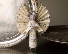 clothespin angel ornament, great Bazaar Christmas idea.