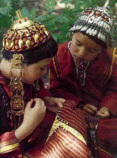 Turkmen children. | The Turkmen are a Turkic people located primarily in the Central Asian states of Turkmenistan, Afghanistan, northeastern Iran, Syria, Iraq and North Caucasus (Stavropol Krai)