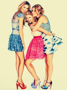 love these three spring dresses, sister poses, friend poses, sister pictures, friend pictures, whitney port, lauren conrad, photo shoots, bright colors
