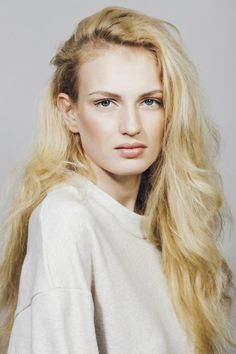 Aliz :: Newfaces – Models.com's Model of the Week and Daily Duo