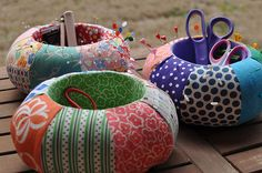 Pincushion with storage pot in the middle for scissors etc. A brilliant idea!