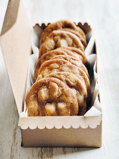white chocOlate & macadamia chip cookies