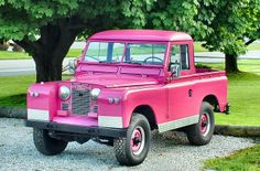 Pretty pink range rover...seem to have uploaded it some time ago to this site because it shows up on other boards, but I can't find it so must have deleted it for SOME reason...anyway, here it is again.