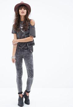Diamond-Paneled Moto Jeans #Denim #F21StatementPiece #OOTD