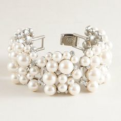 Pretty #wedding day #jewelry. I love the different sizes of pearls.