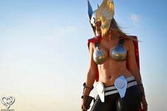 Toni Darling disfrazada de Lady Thor