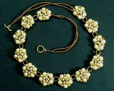 Free Flower Beaded Necklace Tutorial featured in Bead-Patterns.com