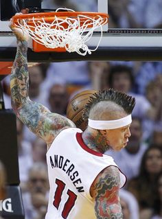 Miami Heats Andersen slam dunks against Indiana Pacers during Game 1 of their NBA Eastern Conference final basketball playoff in Miami   View photo - Yahoo! News