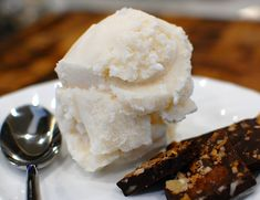 Homemade Non-Dairy Vanilla Ice Cream (Lactose-free Ice Cream)