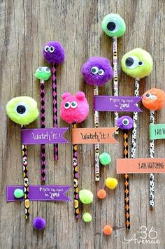 Halloween Adorable Monster Pencils {at the36thavenue.com} #diy #halloween #kids