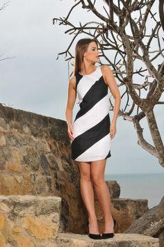 Vestido Blanco y Negro / White & Black Dress Color Wear