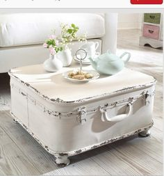 Beautiful table from suitcase.