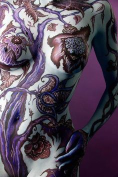 Body painting!! Cool!!