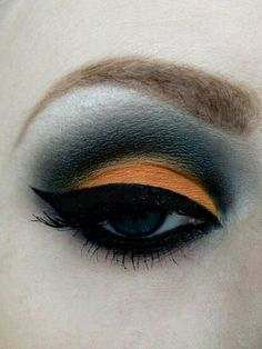 Halloween makeup, love this to wear at work on the special day.