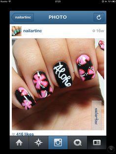 Hawaiian nail art